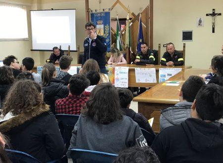 #GiornataDellaSicurezza nelle scuole. L'Istituto Comprensivo di Sellia Marina partecipa con un seminario con la Protezione Civile e le Isitutizioni